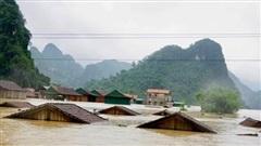 Mưa lũ lịch sử tại miền Trung: 20 người chết và mất tích, gần 33.400 nhà dân bị hư hỏng