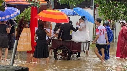 CLIP: Xóm làng xứ Quảng 'giải cứu' 55 mâm cỗ cưới bị 'ế' do mưa lũ