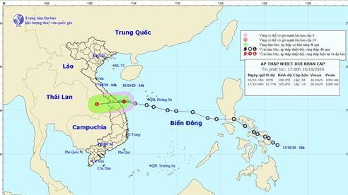 Tâm áp thấp nhiệt đới ở vùng biển các tỉnh từ Đà Nẵng đến Quảng Ngãi, giật cấp 8