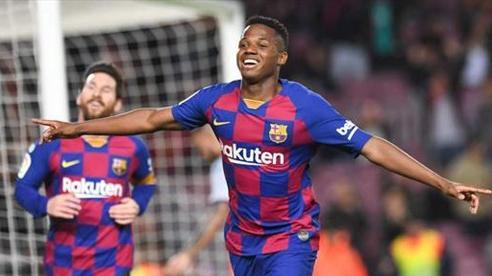 Ở tuổi 17, thần đồng Ansu Fati nổi bật hơn Lionel Messi