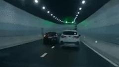 Tài xế ôtô tạt đầu 'trả đũa' nguy hiểm trong đường hầm