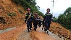 ĐỪNG LỠ ngày 17/10: Công binh lên phương án nổ mìn phá đá, mở đường vào Rào Trăng 3 tìm 15 người mất tích; Thủy Tiên quyên góp được 40 tỷ tiền cứu trợ miền Trung