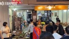 Clip: Nhóm thanh niên dùng ghế nhựa, chai bia rồi lao vào hỗn chiến trên phố đi bộ Hà Nội