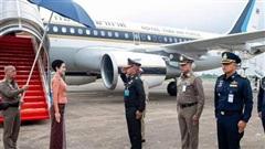 Hoàng quý phi Thái Lan lần đầu thực hiện nhiệm vụ hoàng gia một mình sau khi phục vị, gây ấn tượng mạnh nhưng lộ chi tiết gây khó hiểu