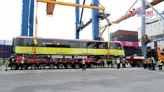 Hình ảnh đoàn tàu Metro Nhổn - Ga HN đầu tiên cập cảng Hải Phòng