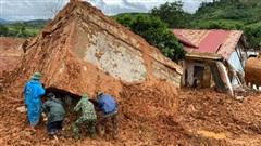 ĐỪNG LỠ ngày 19/10: Tìm thấy toàn bộ 22 thi thể bị vùi lấp trong vụ sạt lở núi; Nghẹt thở giải cứu xe khách chở 20 người bị lũ cuốn trôi