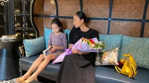 Mới 6 tuổi, con gái Đoan Trang đã sở hữu đôi chân dài tựa siêu mẫu