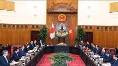 Thủ tướng Nguyễn Xuân Phúc hội đàm với Thủ tướng Nhật Bản Suga Yoshihide