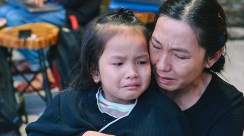 Tin nhắn cuối cùng không hồi đáp và lời hẹn mãi dở dang của chiến sĩ bị núi lở vùi lấp ở Quảng Trị: 'Anh nói sẽ tổ chức 20/10 cho vợ, mà nay lại trở về trên chiếc xe cứu thương'