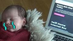 Cặp vợ chồng nghe lời công ty mạng rủ rê, đặt tên con siêu kỳ quặc để được xài internet miễn phí 18 năm