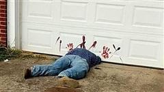 Thấy người đàn ông bị cửa đè tay đầy máu, hàng xóm tưởng án mạng kinh hoàng tức tốc gọi cảnh sát tới hiện trường thì phát hiện sự thật bất ngờ