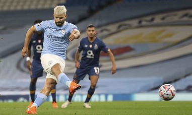 Man City thắng nhọc nhằn trên sân nhà