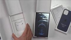 Apple có pha xử lý 'đi vào lòng đất': Bán iPhone 12 tại Pháp tặng kèm tai nghe nhưng lại có hộp riêng to ngang hộp điện thoại