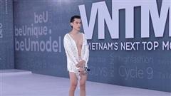 Vietnam's Next Top Model: Bị chê diện mốt 'không nội y', nam thí sinh 'tức mình' xé luôn áo để dằn mặt Võ Hoàng Yến
