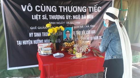 22 cán bộ chiến sĩ hi sinh tại Quảng Trị: Đau lòng cảnh vợ chịu tang chồng trong khu cách ly