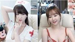 Được người xem donate liên tục, nữ streamer xinh đẹp rũ bỏ hình ảnh ngây thơ, cosplay nữ y tá gợi cảm ngay trên sóng