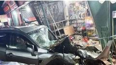 Quảng Ngãi: Xe tải nổ lốp gây tai nạn kinh hoàng, 6 người thương vong