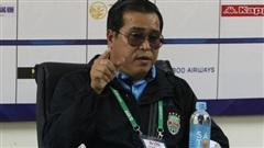 Để thua Hà Nội FC ở phút chót, HLV Bình Dương tố trọng tài thổi bất lợi, gây ức chế