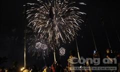 Hàng chục ngàn người Sài Gòn xem bắn pháo hoa mừng Quốc khánh