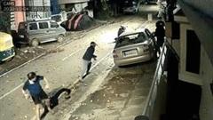 Người đàn ông đối đầu 3 tên trộm có vũ trang trong đêm