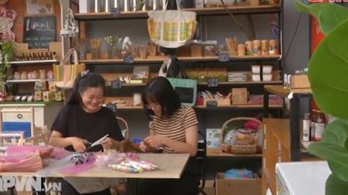 Diện túi xách từ ni lông tái chế để bảo vệ môi trường
