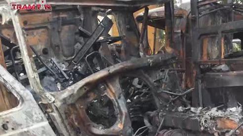Xe tải đối đầu xe container bốc cháy, QL 1A tắc nghẽn