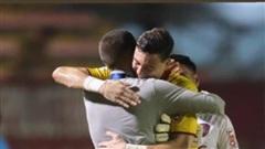 Đặng Văn Lâm cản phá xuất thần, chiếm spotlight trong trận thắng của Muangthong United: Cứ mang Kawin đến đây!