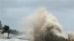 Chuyên gia nhận định bão số 9 'có thể khiến một con thuyền lớn dưới biển văng lên đường', người dân nên thực hiện những khuyến cáo sau đây!