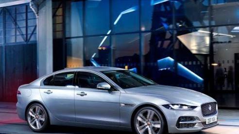 Jaguar XE có thêm hệ thống truyền động lai điện