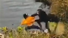 Vụ người phụ nữ bị bạn thân đẩy xuống hồ khiến cả hai cùng chết đuối: Xuất hiện tình tiết bất ngờ do chính con gái nạn nhân hé lộ