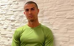 Ronaldo ức chế, văng tục trước kết quả xét nghiệm Covid-19