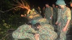Quân đội xuyên đêm thông đường lên vụ sạt lở Trà Leng nơi 45 người bị vùi lấp