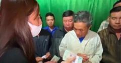Thủy Tiên lần đầu lên tiếng về quyết định táo bạo rút 200 triệu trong tích tắc để cứu trợ cụ ông nghèo ở Hà Tĩnh, đến Công Vinh còn bất ngờ