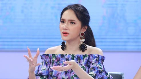 Hương Giang gây tranh cãi vì có biểu cảm 'lật nhanh như lật bánh tráng' khi giao lưu với fan