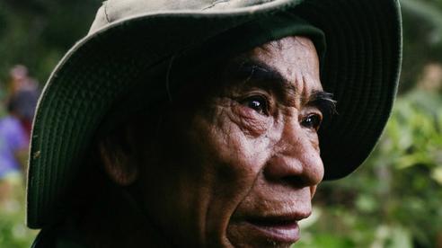 Nước mắt người Trà Leng mất cả gia đình sau buổi làm nương: 'Hết rồi, không còn gì nữa, con cháu đều nằm dưới kia'