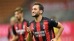 MU dùng tiền dụ sao Milan, Benzema xin lỗi 'trò bẩn' với đồng đội