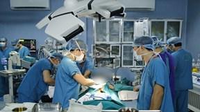 Cận cảnh 100 bác sỹ ghép ruột từ người cho sống đầu tiên tại Việt Nam