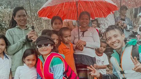 Đại gia Minh Nhựa và vợ đến Quảng Bình hỗ trợ người dân vùng lũ: 'Mình đến đây vì mình thích và trái tim kêu gọi'