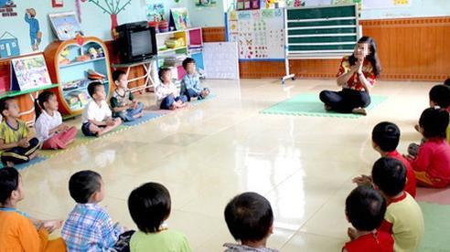 Con đi học mầm non mà trường bắt ủng hộ đủ loại tiền, cô giáo còn 'gợi ý': Nhà cháu nào cũng góp 100 nghìn chị ạ!