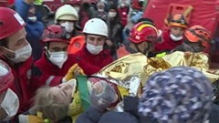 Giải cứu bé 3 tuổi mắc kẹt 65 giờ dưới đống đổ nát sau động đất Thổ Nhĩ Kỳ