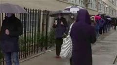 Thời tiết thuận lợi thúc đẩy cử tri Mỹ đi bỏ phiếu