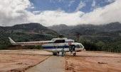 Clip trực thăng tiếp tế lương thực cho gần 3.000 người dân cô lập