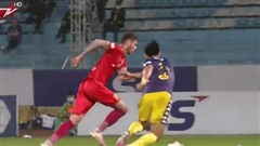Nhìn sự khổ sở Văn Hậu phải chịu, mới thấy nỗi đau của Hà Nội FC lớn đến nhường nào