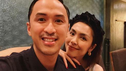 Ông xã đại gia đăng ảnh hẹn hò để kỷ niệm 8 năm kết hôn với Hà Tăng, tiết lộ thư tay vợ viết và món quà 'tình bể bình'