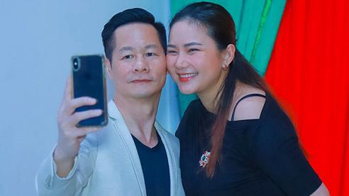 Phan Như Thảo sánh đôi bên chồng đại gia dự sự kiện, lộ diện mạo thật gây chú ý