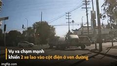 """Xe bán tải bất ngờ bị """"tấn công"""" lật đổ ngay giữa đường"""