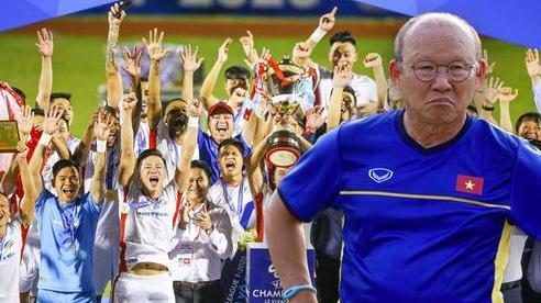 V.League xứng 'lửa thử vàng', đã đến lúc HLV Park Hang-seo phải 'khó xử' với bầu Đức rồi