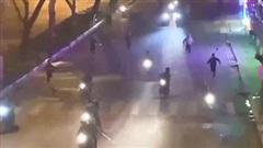 Triệu tập 6 thanh niên đuổi đánh nhau như phim hành động trên phố Hà Nội