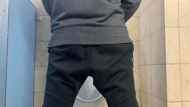 Lỡ quan hệ với gái làng chơi, nam sinh liên tục chạy vào nhà vệ sinh vì điều này