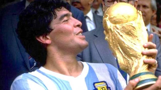 Diego Maradona - 'Cậu bé vàng' kiệt xuất của bóng đá thế giới